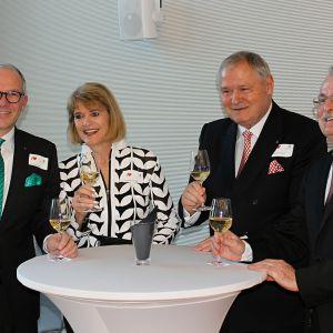 http://www.hotelmoderntimes.com/application/files/thumbnails/thumb_list_2x/1014/8974/8291/M-Riegger-Mme-Bucher-M-Prantner-M-Wagner3.jpg