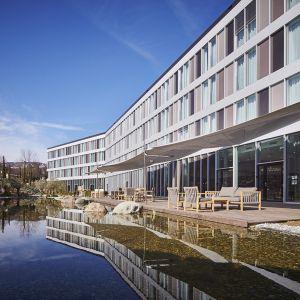 http://www.hotelmoderntimes.com/application/files/thumbnails/thumb_list_2x/5214/5855/7650/cote_jardin.jpg